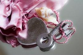 love-421606__180