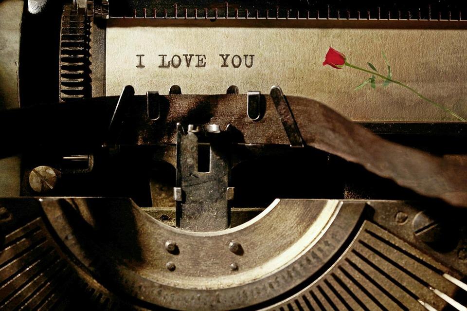 typewriter-1062697_960_720[1]
