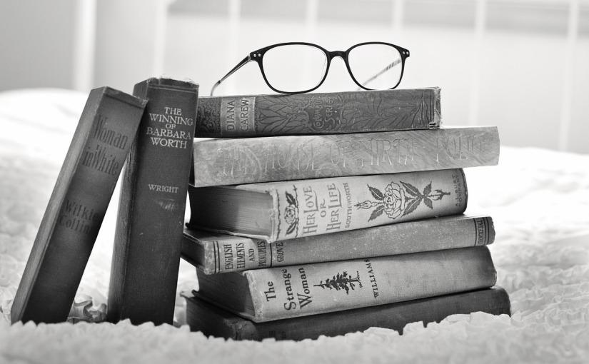 Book Lover's Tag #SundayBlogShare